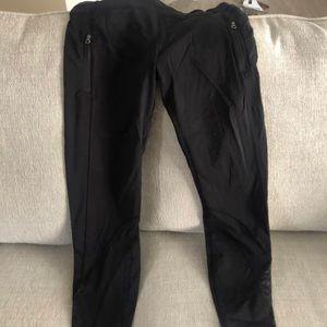 Black Lululemon Leggings w Pockets
